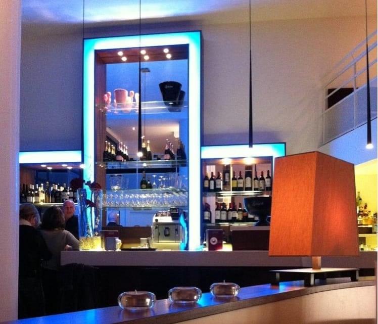 restaurantsurlesquais-terrasse-cuisineraffinee-borddelodet-oumanger456669